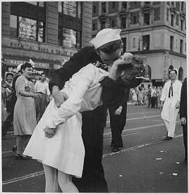 VJ-Day Soldier Kissing Nurse